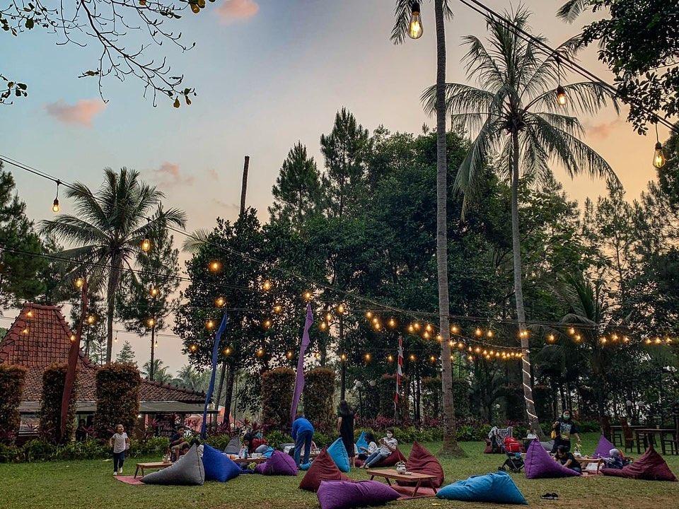 Tempat Nongkrong di Bogor ini, Asik ajak keluarga Sambil nikmati suasana Alam