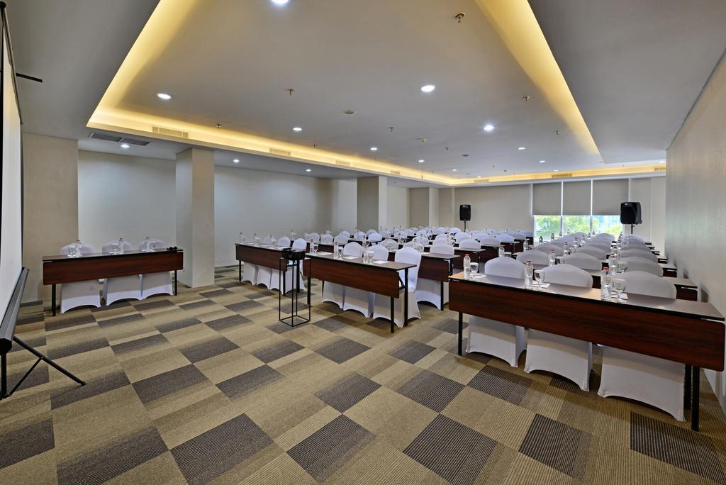 Whiz Prime Hotel Basuki Rahmat Malang