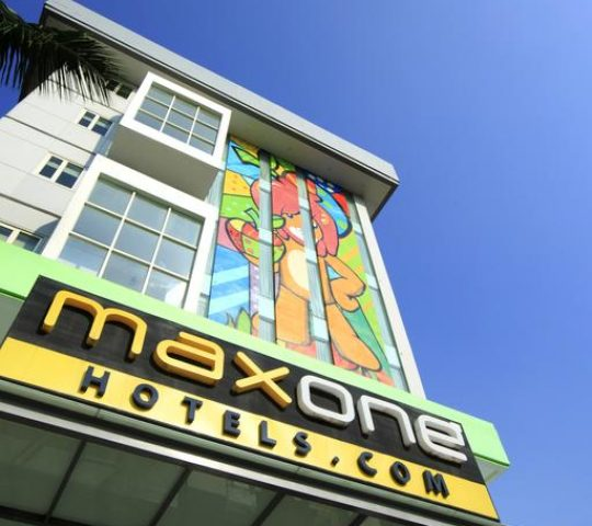 MaxOne Ascent Hotels Malang