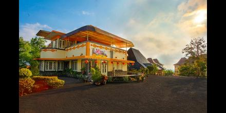Ciptaningati Hotel