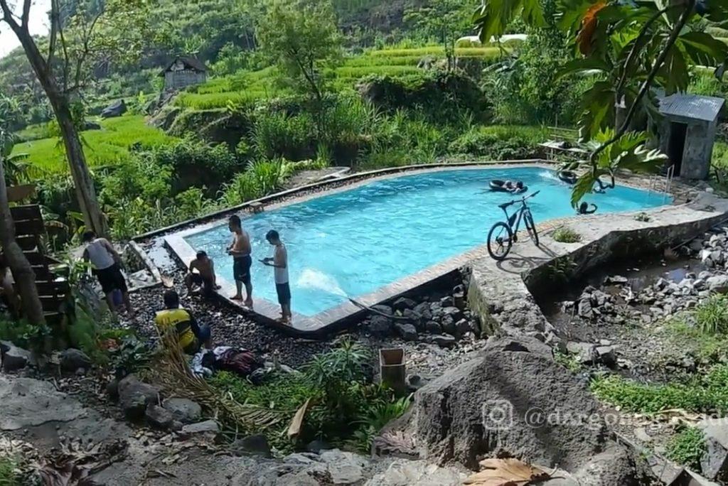 Kolam Renang Goa Jalmo