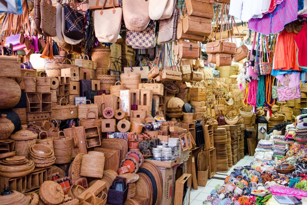 Borong Oleh-Oleh Khas Bali! Inilah 8 Wisata Belanja di Bali