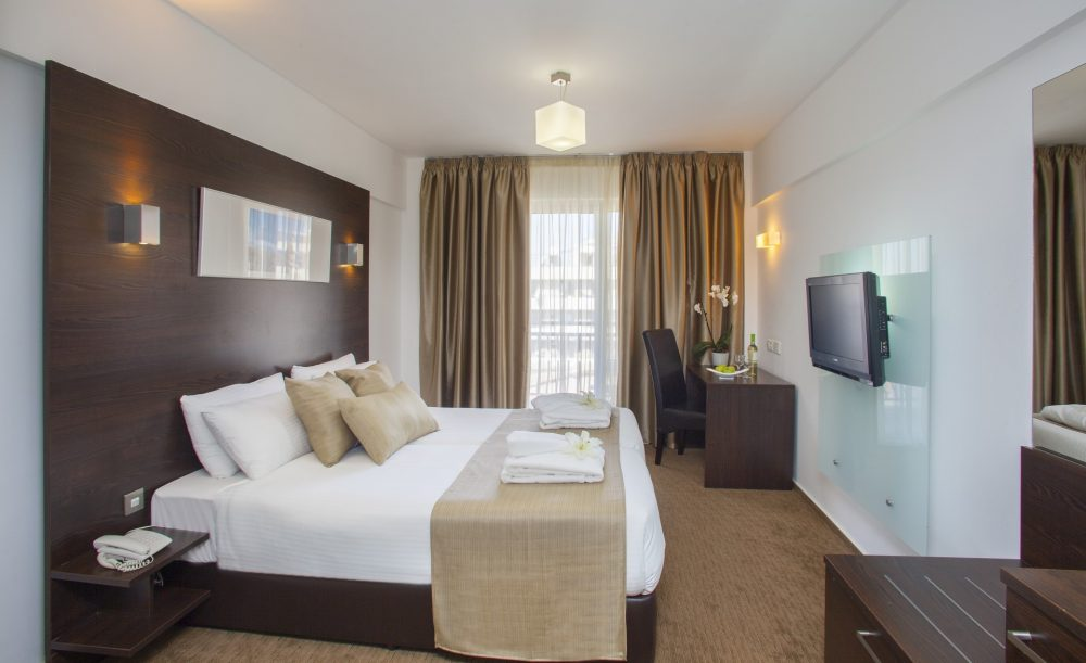 Standard Room Kamar Hotel