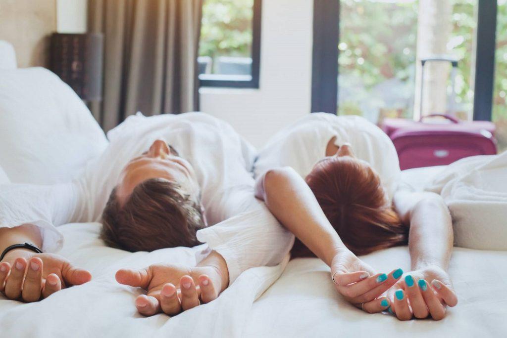 Tips Agar Gak Kena Razia Saat Menginap Di Hotel, Coba Yuk!