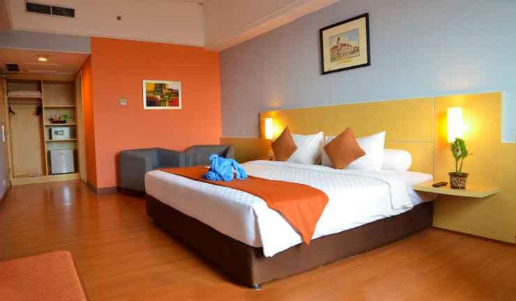 Deluxe Room Arcadia Hotel Surabaya by Horison