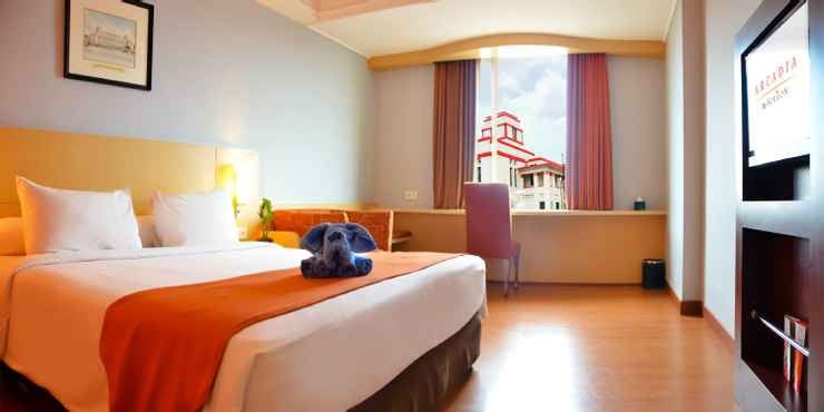 Superior Room Arcadia Hotel Surabaya by Horison
