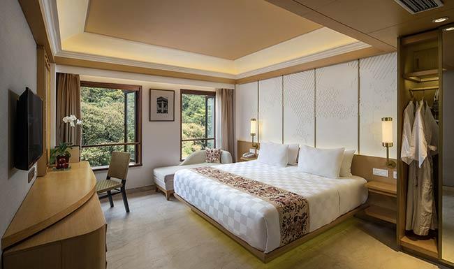 deluxe room- padma hotel bandung