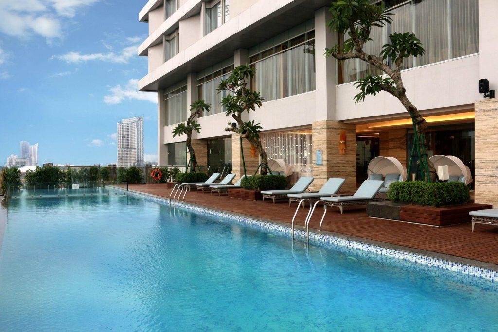 4 Hotel Mewah di Surabaya dengan Fasilitas Rooftop Pool