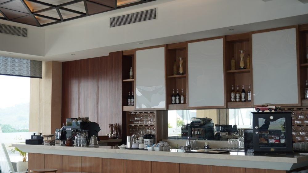 Coffee bar lounge ASTON Inn Gresik