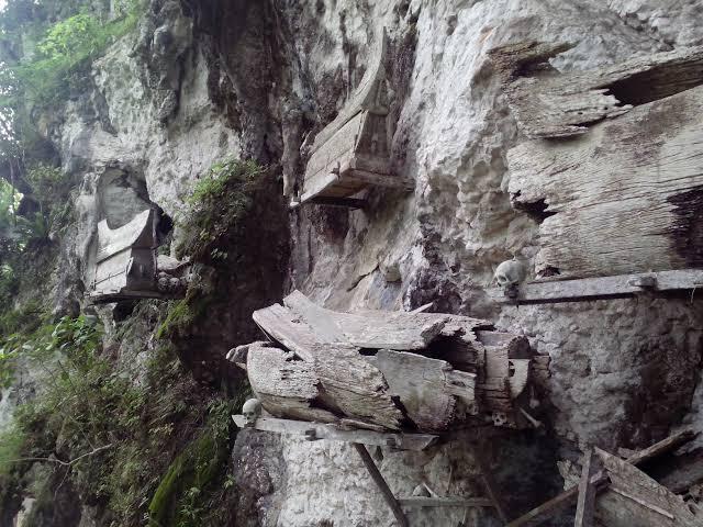 Desa Kete Tesu