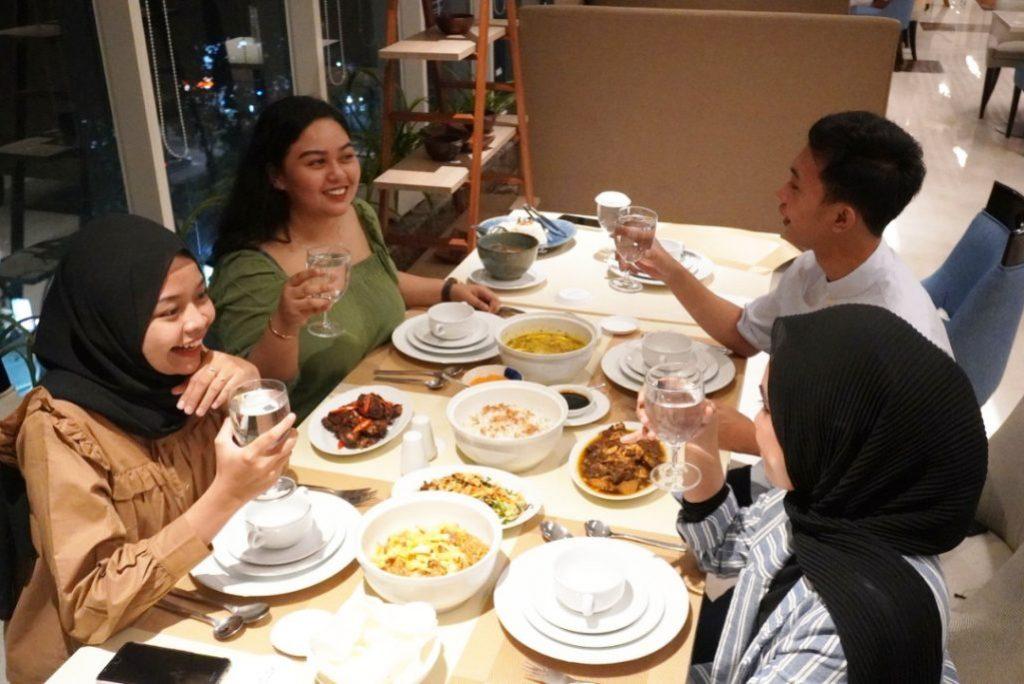 """Sajian Aneka Menu Lezat """"Family Dinner"""" di ASTON Inn Gresik"""