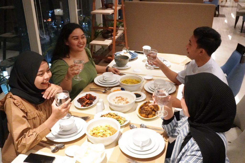 Family Dinner ASTON Inn Gresik