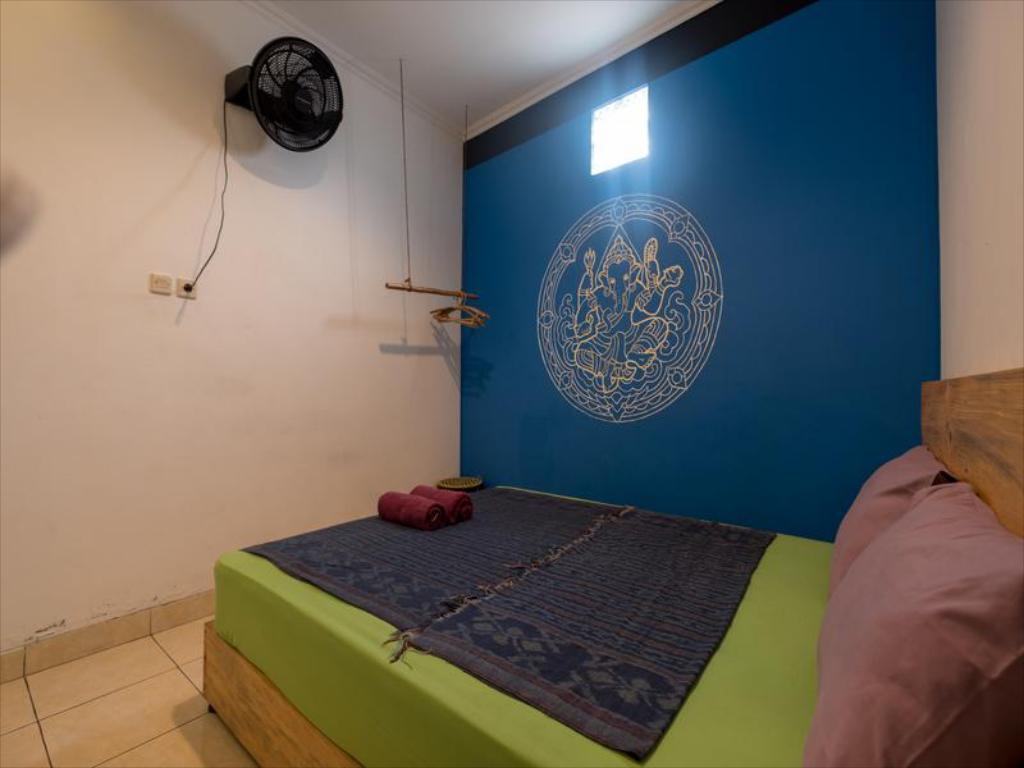 Kamar standard dengan kipas angin