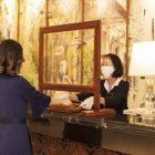 Kolam Renang Gantung di Atas Lobby Hotel?