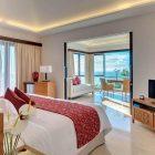 Menarik, Staycation Akhir Tahun di Luminor Hotel Kota di temani Jerapah