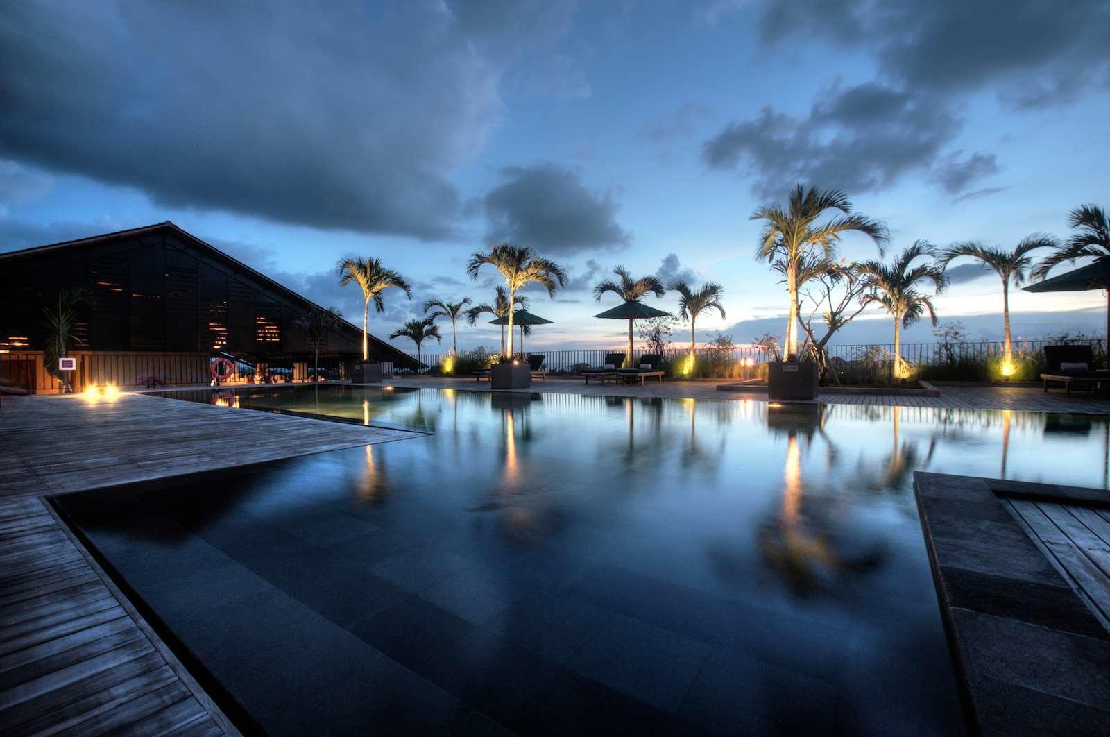 7 Rooftop Pool Hotel dengan Pemandangan Kota di Bali