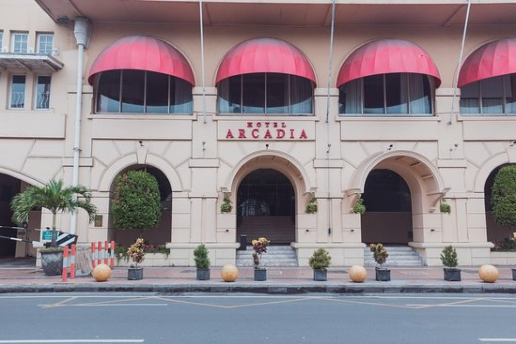 Makan Pecel Sembari Gowes di Arcadia Hotel Surabaya