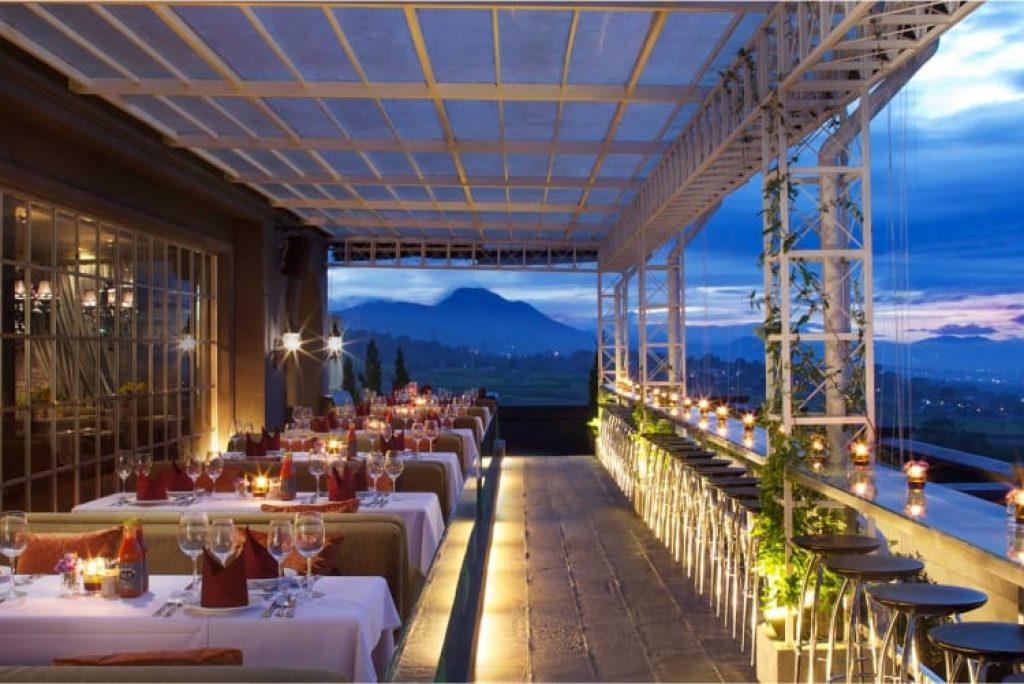 5 Dining di Rooftop Restaurant dengan City View Kota Bandung