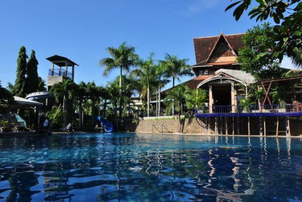 Rekomendasi Hotel di Kediri untuk Staycation Mulai dari 200 ribuan Aja!