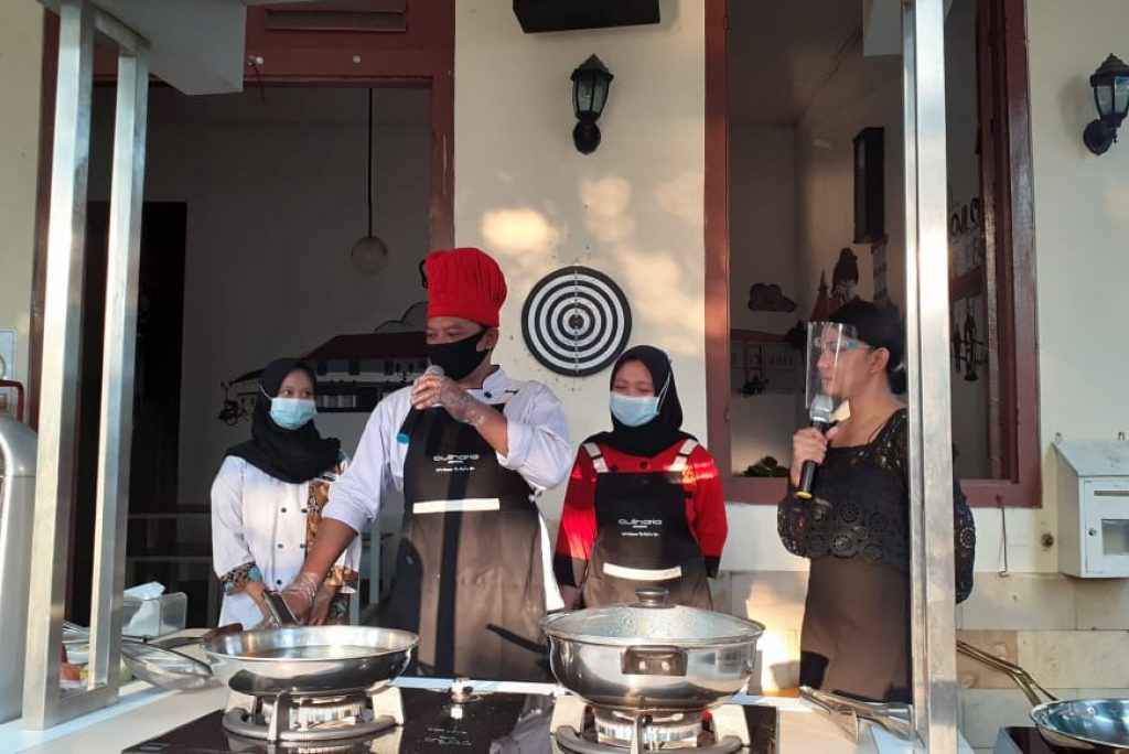 Gandeng Lotus Garden Kediri, MODENA Indonesia Gelar Cooking Demo