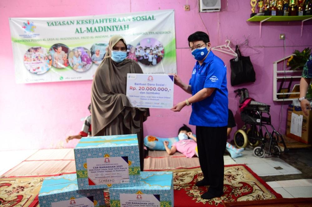 Omega Hotel Management Adakan CSR untuk Yayasan Al-Madiniyah