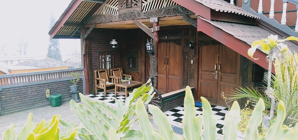 Yoschi's Hotel