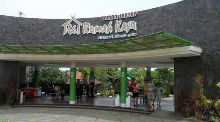 rumah kayu Lampung