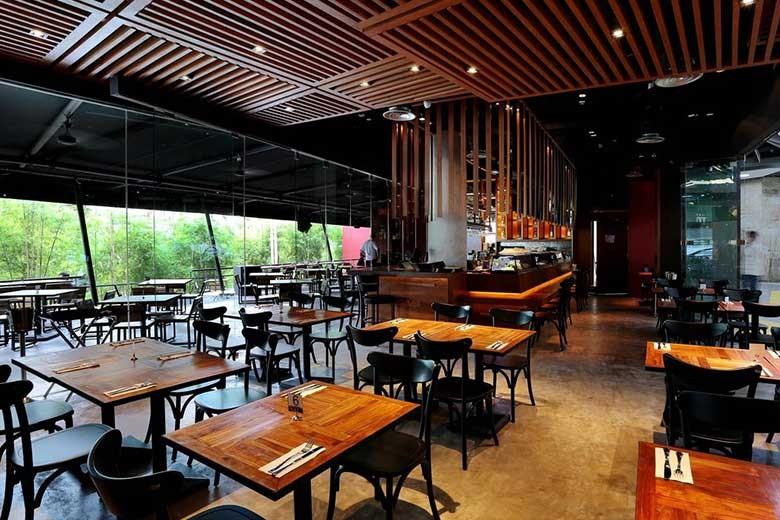 District 10 Restaurant