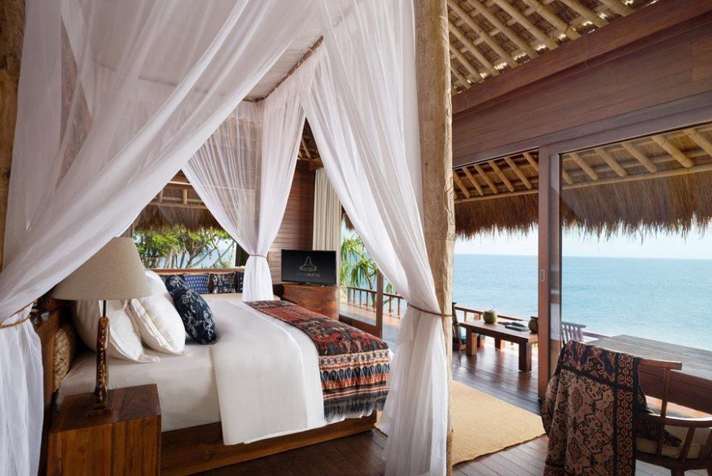 Honeymoon Lebih Indah? Yuk Simak Rekomendasi Villa Romantis Yang Ada di Indonesia