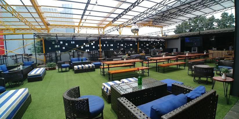 Dinner Sambil Menikmati Skyview Kota Medan di Rooftop Restaurant Ini Yuk!