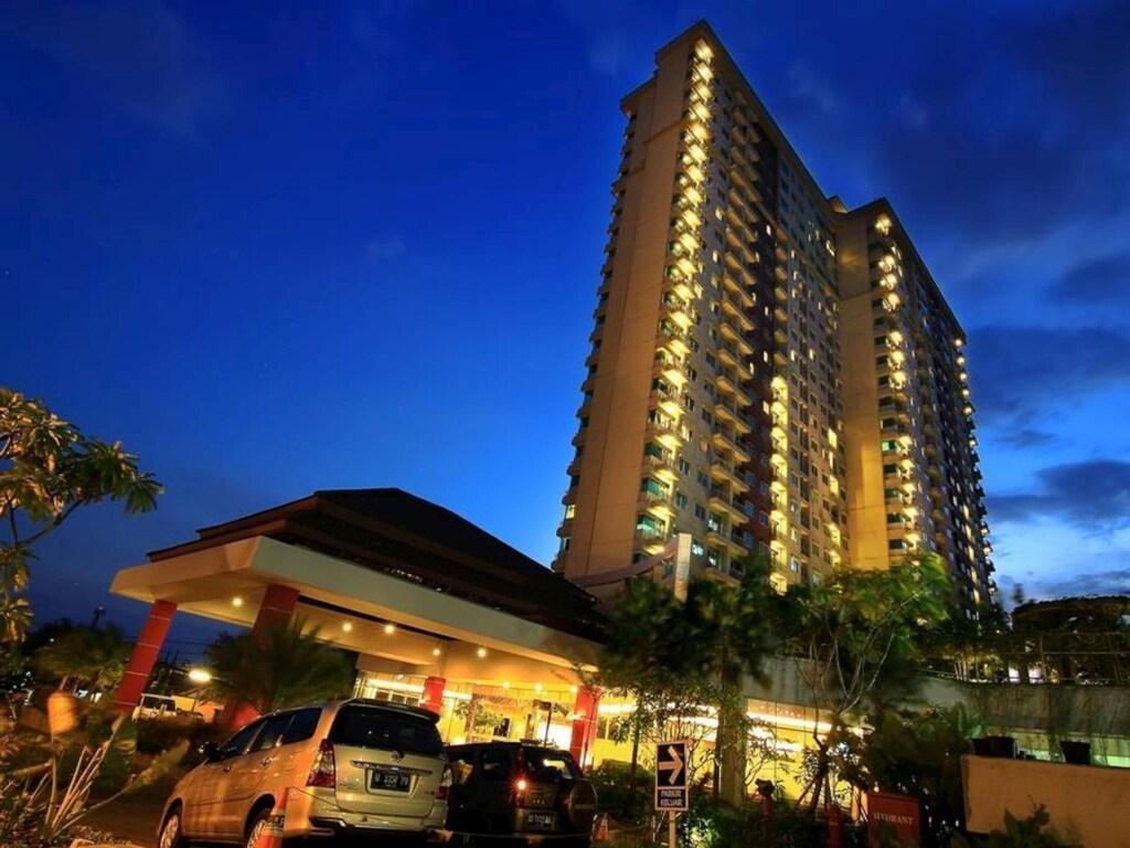 Solo Paragon Hotel