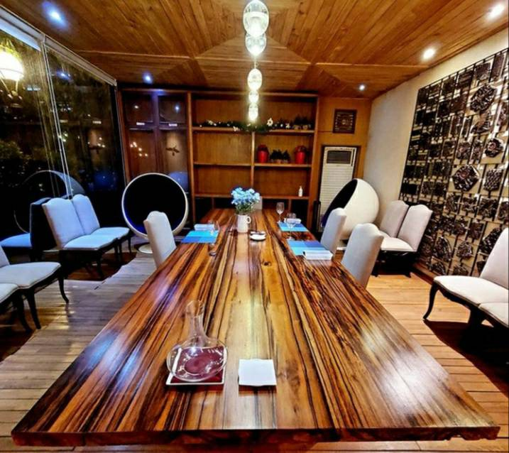 Tune Restaurant & Wine Bar