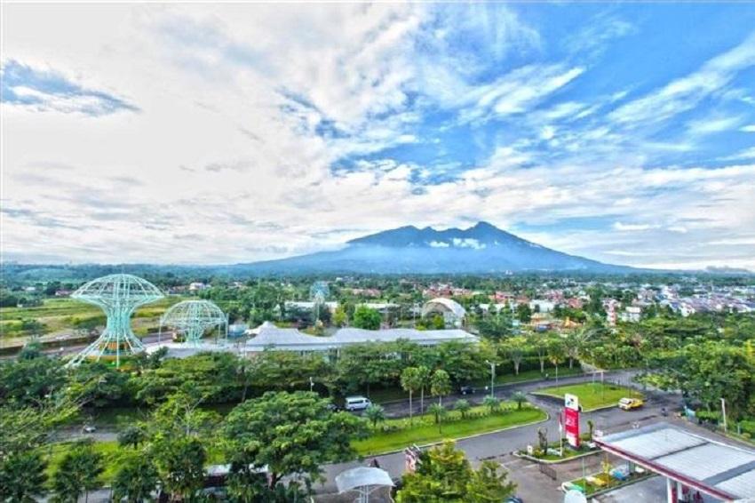 Padjajaran Suites Resort