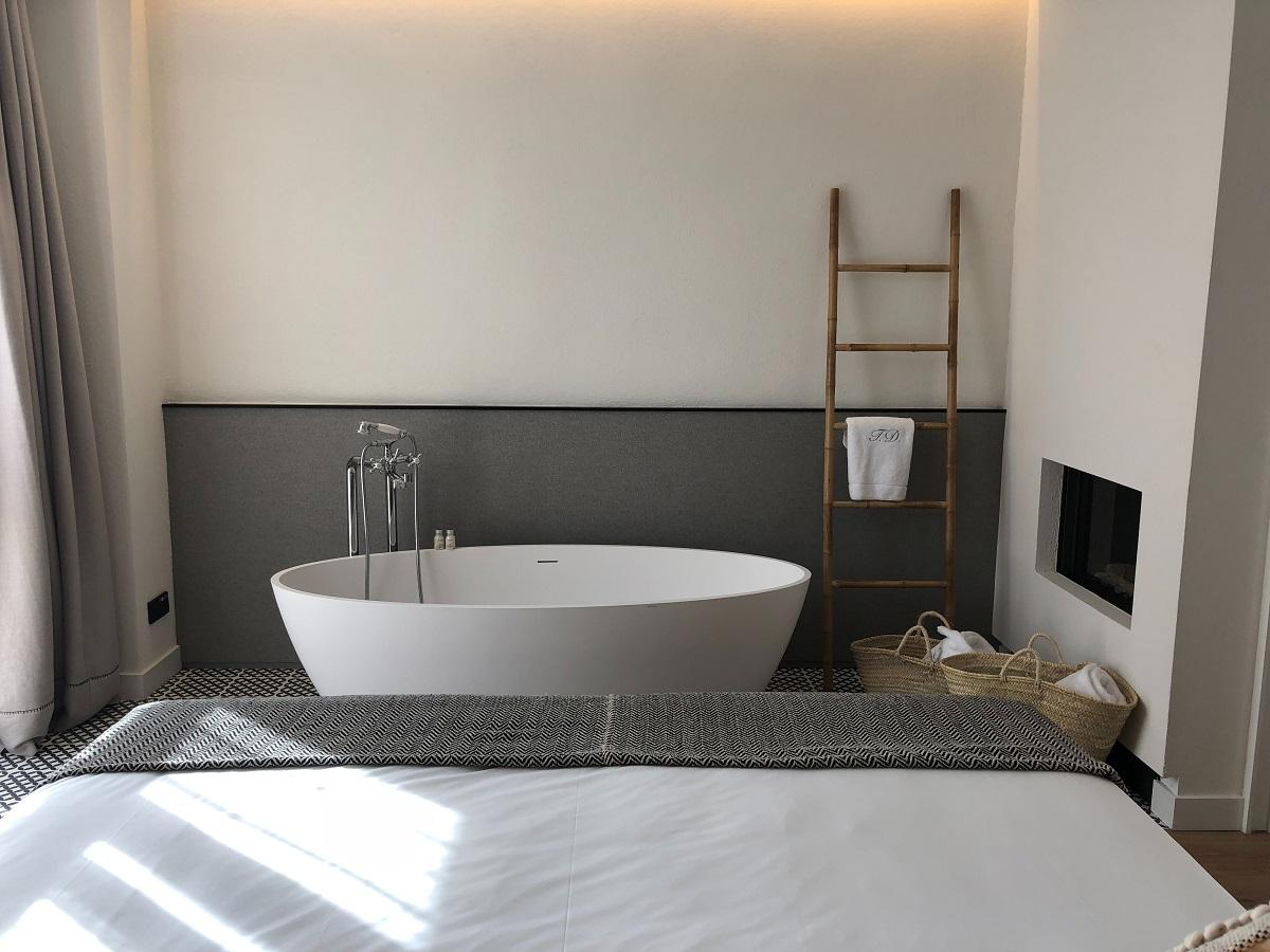 Bathroom di Kemang Icon Artotel