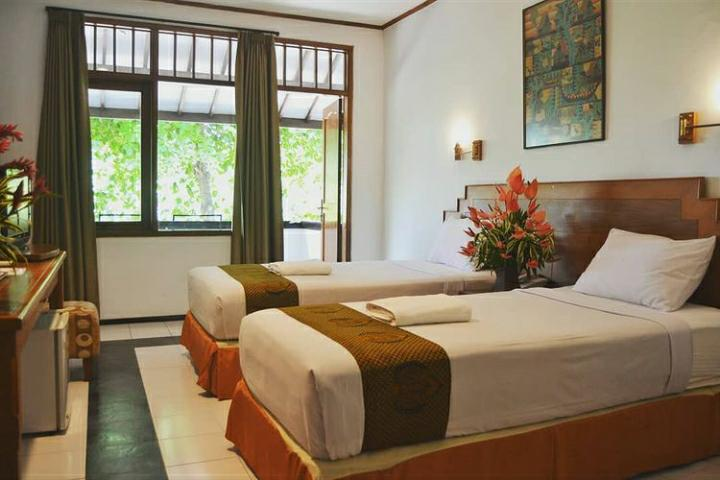 Mau Staycation di Malang tapi Budget terbatas? Ini Dia Hotel yang Cocok Buat Kamu!