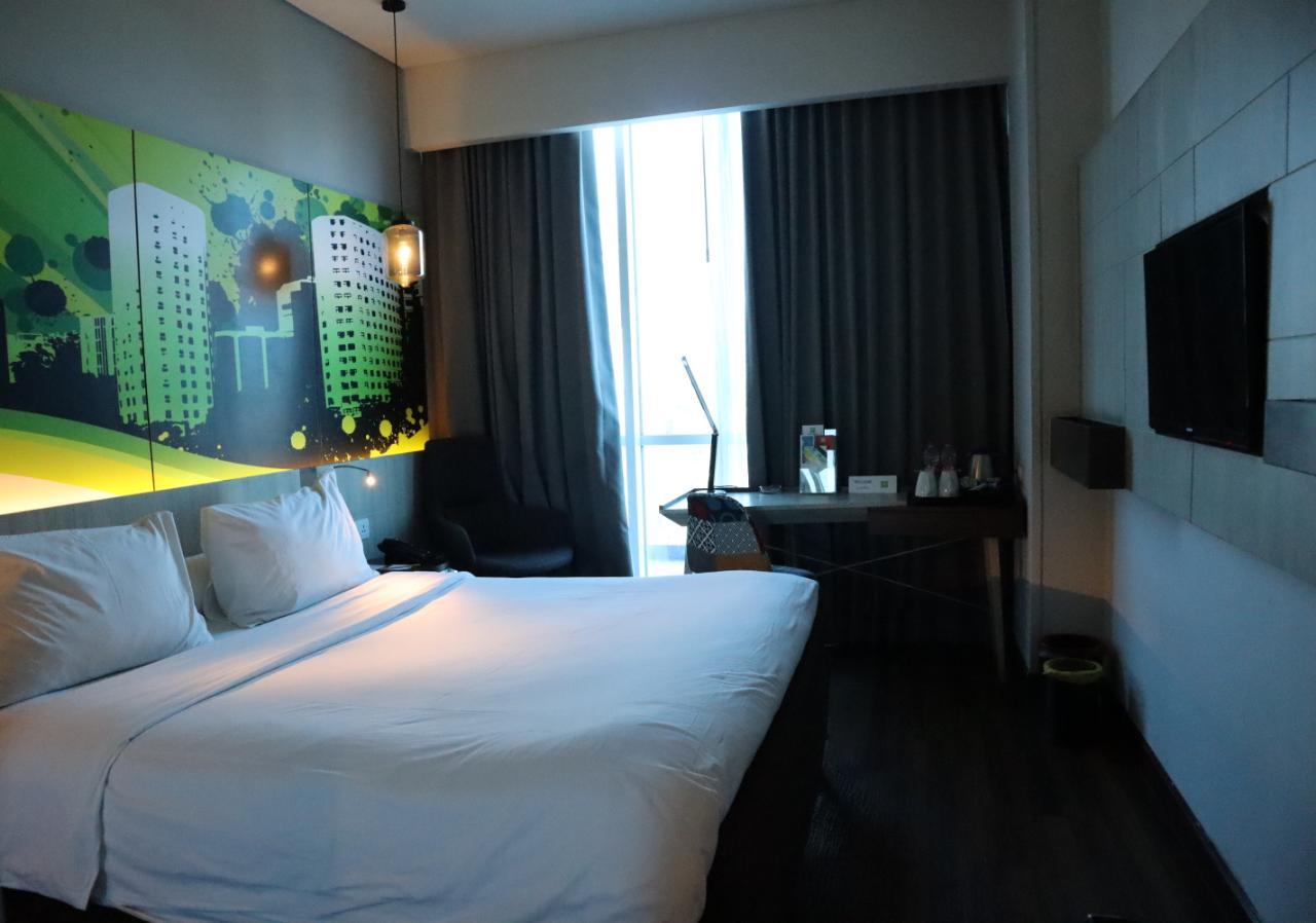 Standard room di Ibis Styles Surabaya
