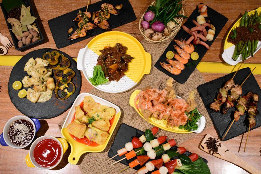 GRILL IT UP! All You Can Eat untuk Malam Minggumu di YELLO Hotel Paskal Bandung