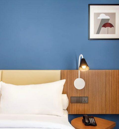Hidden Gem Bar dengan konsep Open Wall di Amaryllis Boutique Resort Puncak