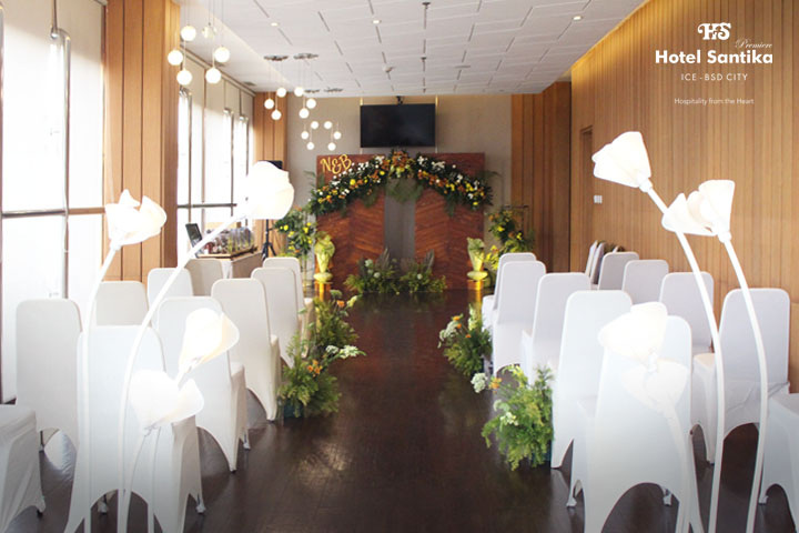Intimate Wedding Santika